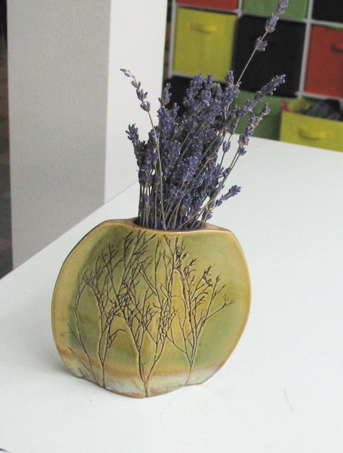 lavendarvase.jpg